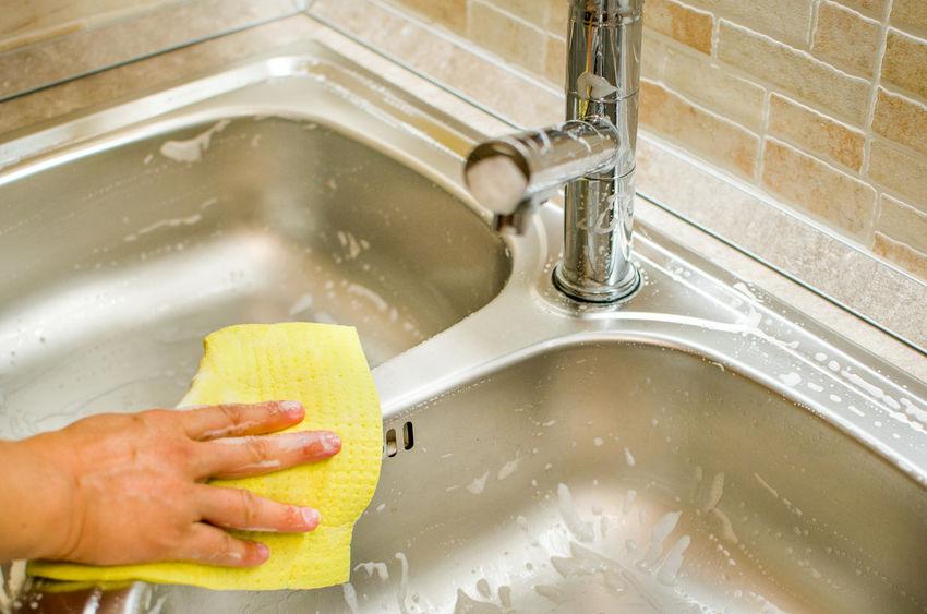 ステンレスの流しをきれいにし掃除・消毒する方法